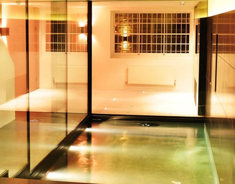 With Our External Structural Walk On Glass We Can Supply A Number Of Finishes To The Help Prevent Slipping Due Water Build Up